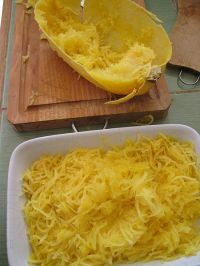 450px-Spaghetti_Squash_cooked_and_prepared_3 a