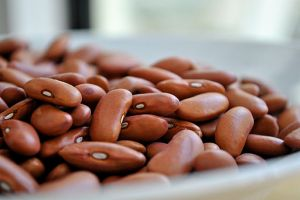 512px-Dries_red_beans_ready_for_use